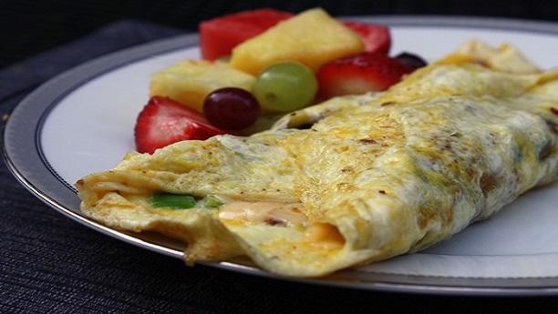 Fluffy Mexican Omelette - فلافی میکسیکن آملیٹ