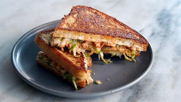Grilled Chicken Sandwiches - گرلڈ چکن سینڈوچز