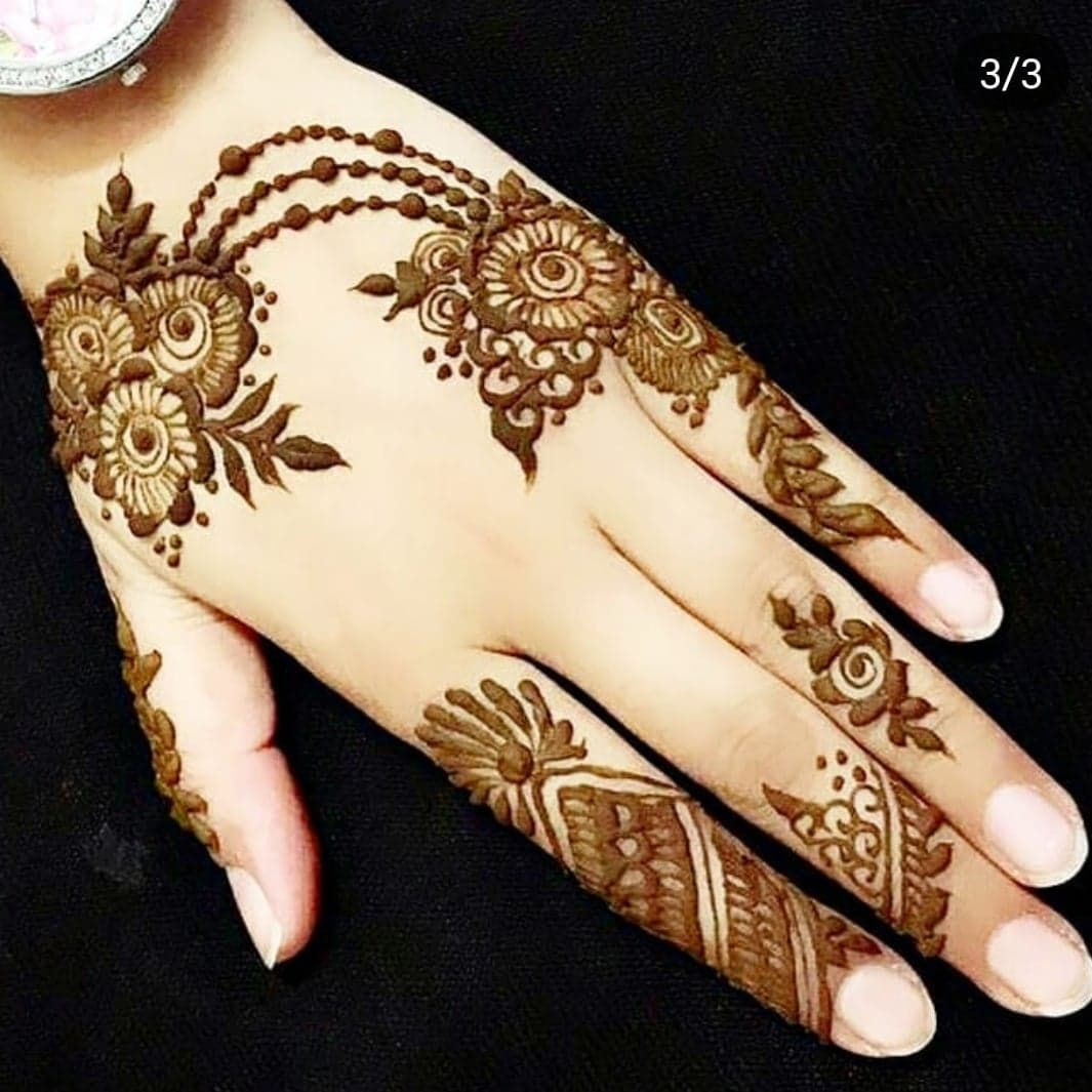Simple Mehndi Designs: