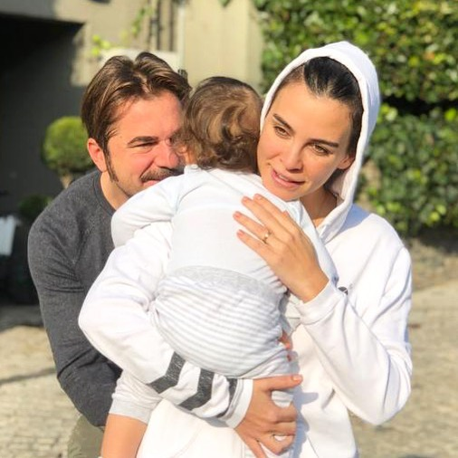 Real Life Pictures of Famous Ertugrul Ghazi with his Wife and Son