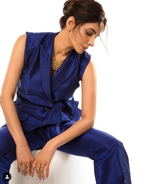 Beautiful saba qamar images