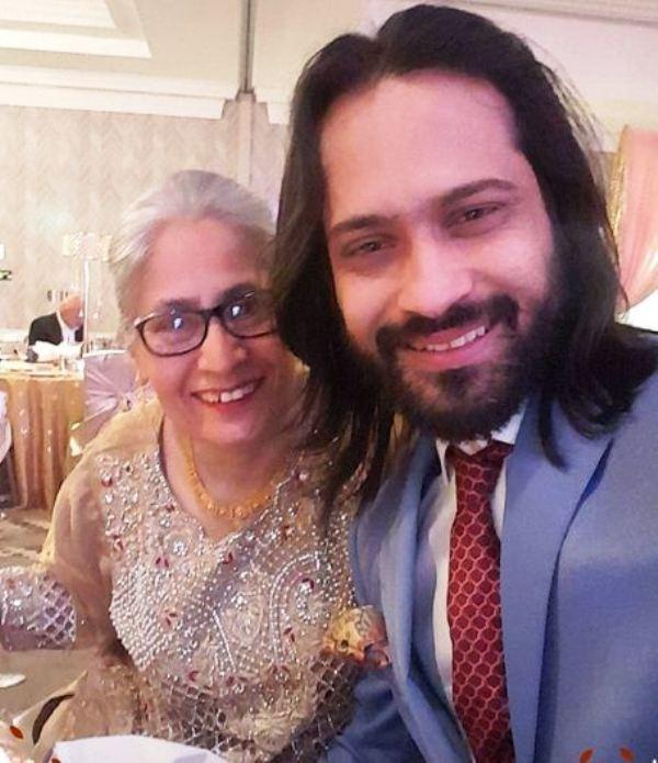 Waqar zaka Mother