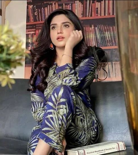 Aamna Malick Biography – Age – Education – Family – Dramas – Pics